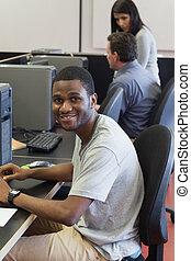幸せ, 学生, 中に, コンピュータクラス