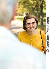 幸せ, 年長の 女性