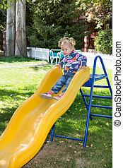 幸せ, 愛らしい, 女の子, 上に, 子供, スライド, 上に, 運動場, 近くに, 幼稚園, montessori,...