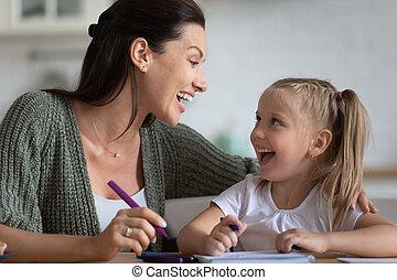 幸せ, 楽しみ, felt-tip, 図画, わずかしか, 持つこと, 母, ペン, 娘