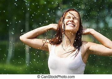 幸せ, 若い女性, 中に, 雨滴