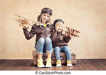 幸せ, 飛行機, おもちゃ, 子供たちが遊ぶ