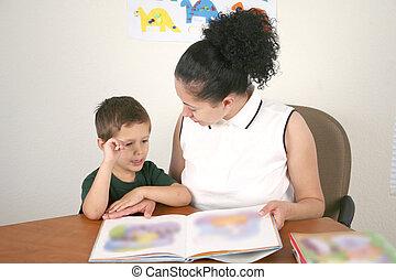幼儿園, 學生, 以及, 老師, 閱讀一本書