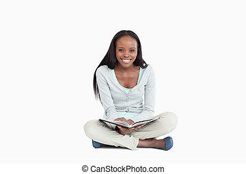 床, モデル, 本, 微笑の 女性, 若い