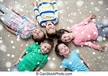 床, 上に, 雪, 微笑, 子供, あること, 幸せ