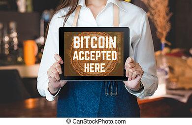 店, ショー, お金, 受け入れなさい, の上, currency.digital, 終わり, カフェ, タブレット, bitcoin, 保有物, バー, コーヒー, 女, waitress., スクリーン, ここに, 受け入れられた, 支払い, barista, カウンター, crypto, concept.modern