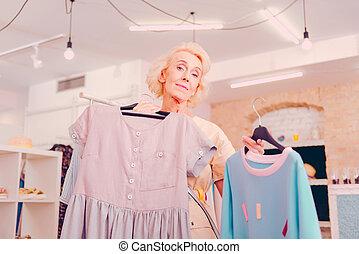 店, 年長の 女性, 選択, 衣服