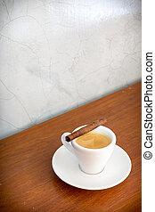 店, 木製のコーヒーテーブル
