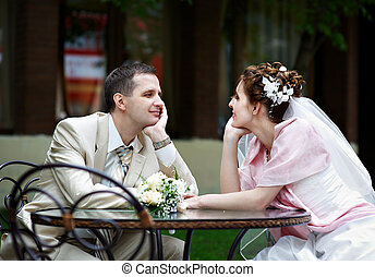 座りなさい, 花婿, 花嫁, テーブル, カフェ, 幸せ