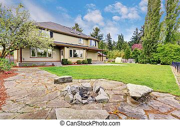 庭, 家, 背中, 贅沢, 外面, 草, 満たされた