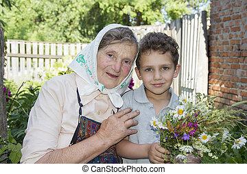 庭, 彼女, 花束, wildflowers., 孫, 祖母, 保有物, 夏, 彼