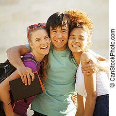 建物, かわいい, グループ, huggings, 大学, 本, teenages