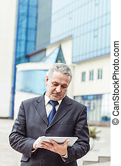 建物, オフィス, タブレット, 成功した, 背景, デジタル, ビジネスマン