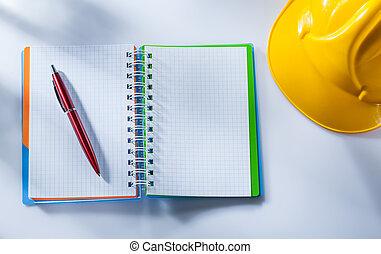 建物, ヘルメット, チェックされた, メモ用紙, ペン, 背景, 白