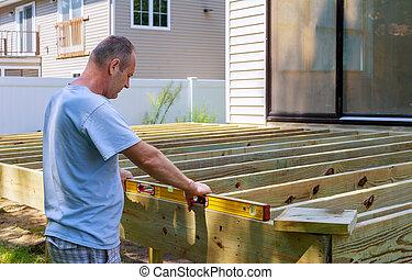 建物, 木製である, ビーム, ねじで締まること, 一緒に, 人, 中庭, 槌で打つこと