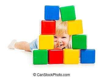 建物, 男の子, ブロック, の後ろ, 赤ん坊, 隠された