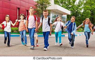 建物, 袋, 学校の 子供, 横列, 幸せ