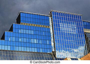 建筑物, 玻璃