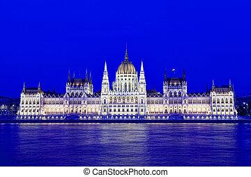 建築物, ......的, the, 匈牙利人, 議會, 由于, 夜晚, illumination., budapest., 匈牙利