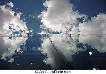 建築, そして, 雲