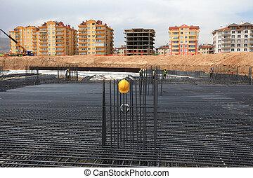 建設, 背景