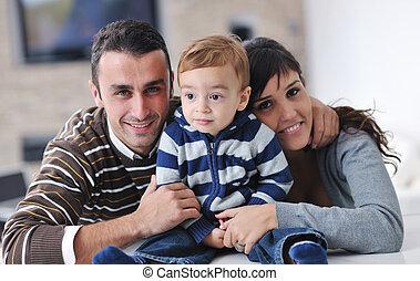 开心, 年轻家庭, 有乐趣, 在家