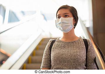 引っ越し, 若い女性, 保護, ウイルス, マスク, 下方に, 発生, アジア人, エスカレーター, コロナ