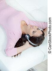 弛緩, へ, 音楽, ソファーで