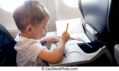 強くされた, わずかしか, 鉛筆, 飛行, 男の子, 長い間, 飛行機, 旅行, 肖像画, の間, よちよち歩きの子, 図画