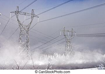 強力, 発電所, costing, 中に, ∥, 環境, の, 雪の吹きだまり, 上に, a, 背景, の, ∥, 青い空