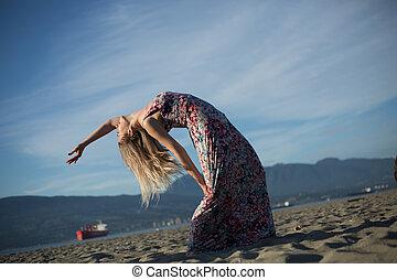 彎曲, 婦女, 姿態, 年輕, 背, 有吸引力, 海灘