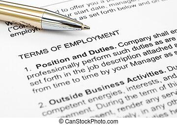 形態, 雇用