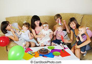 ∥(彼・それ)ら∥, 集まった, 子供, 一緒に, 母