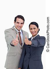 ∥(彼・それ)ら∥, salesteam, 承認, 微笑, 寄付, 若い