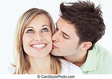彼の, に対して, 背景, ガールフレンド, 接吻, 微笑, 注意深い, 白, 人