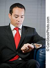彼の, ビジネス, 腕時計, 見る, ハンサム, 人