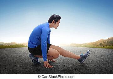 彼の, ランナー, 伸張, 若い, 動くこと, アジア人, 足, 練習, 後で
