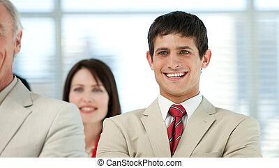 彼の, 同僚, 微笑, ビジネスマン, 若い