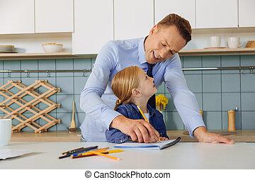 彼の, 娘, 勉強, 父, 助力, 痛みなさい, すてきである