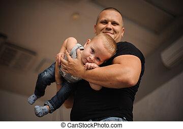 彼の, 父, 息子, 手を持つ, 幸せに微笑する