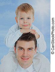 彼の, 父, 肩。, 保有物, 息子