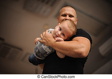彼の, 父, 腕, 息子, 保有物, 幸せに微笑する