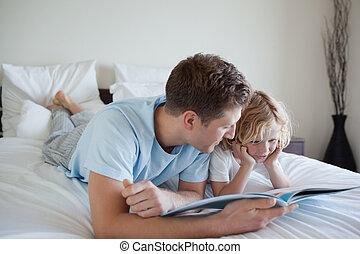 彼の, 読書, 父, 息子, 練習