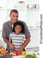 彼の, 野菜, 切口, 微笑, 父, 息子, 助力