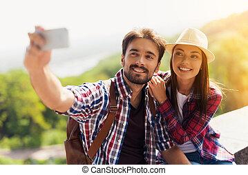 彼の, parapet., モデル, selfie, 若い, 観光客, 人, 恋人, smartphone.