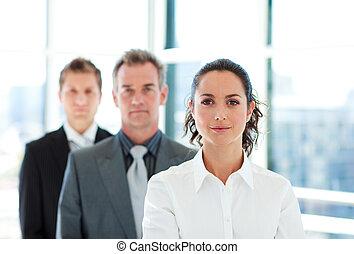 彼女, チーム, 女性実業家, 前部, 深刻