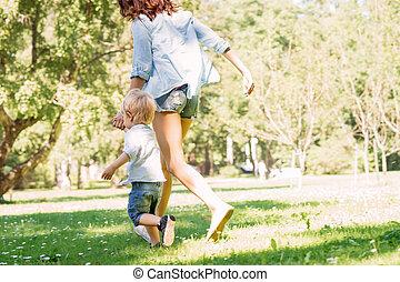 彼女, 公園, 息子, 母, 歩きなさい, 持つこと