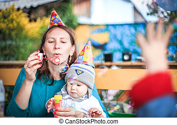 彼女, 公園, 息子, birthday, お母さん, 泡, 遊び, 石鹸