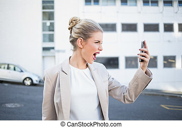 彼女, 叫ぶこと, 女性実業家, 怒る, 電話, 流行