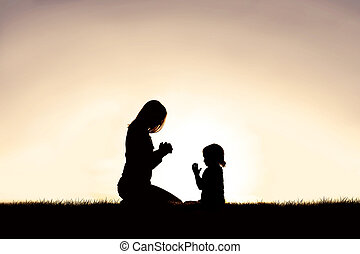 彼女, 母, 若い, 外, 子供, 祈ること, sunset.